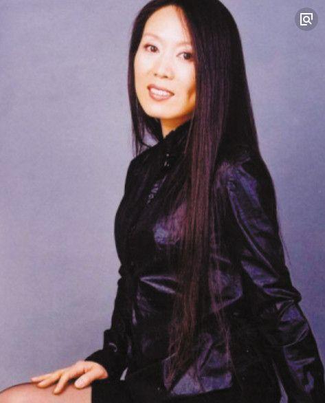 黄梅戏唱将吴琼嫁给小自己15岁的老公,是不是又让你相信爱情了呢