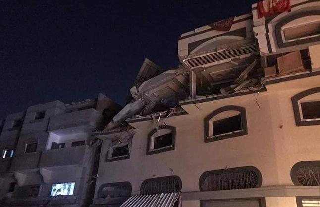 我知道你今晚睡哪张床!以色列无人机溜进卧室,导弹尾行轰毙敌酋