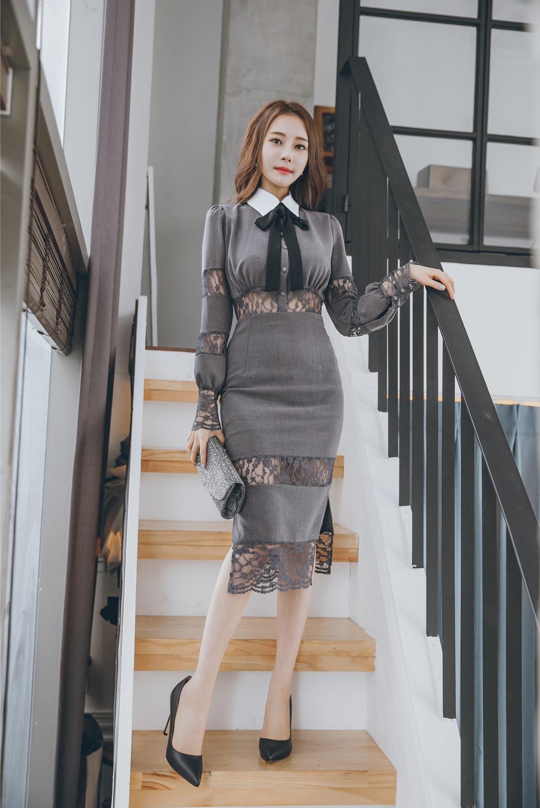 金敏英蕾丝蝴蝶连衣裙,呈现时尚潮流感
