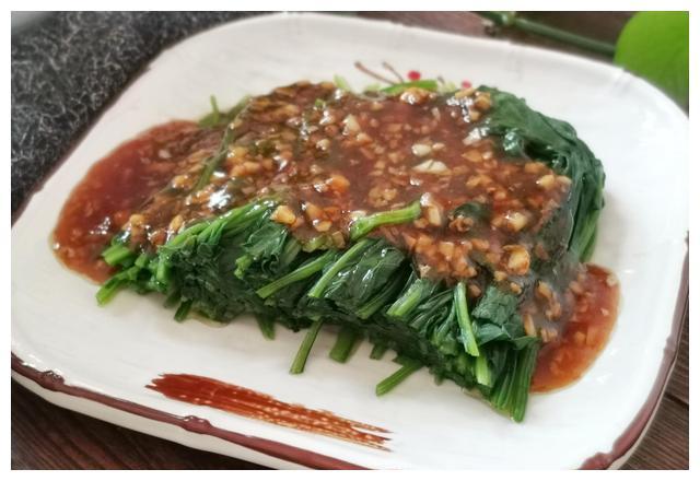 菠菜怎样去除草酸和涩味?多做这一步骤,菠菜味道鲜嫩没涩味