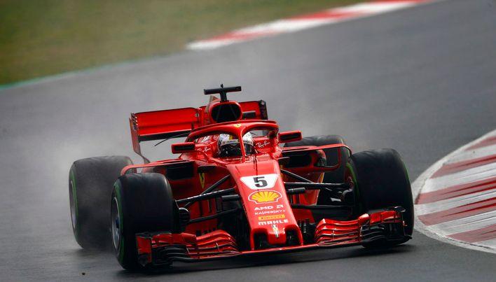 法拉利车队一组赛车图片,后勤团队6秒换轮胎,出色的车队