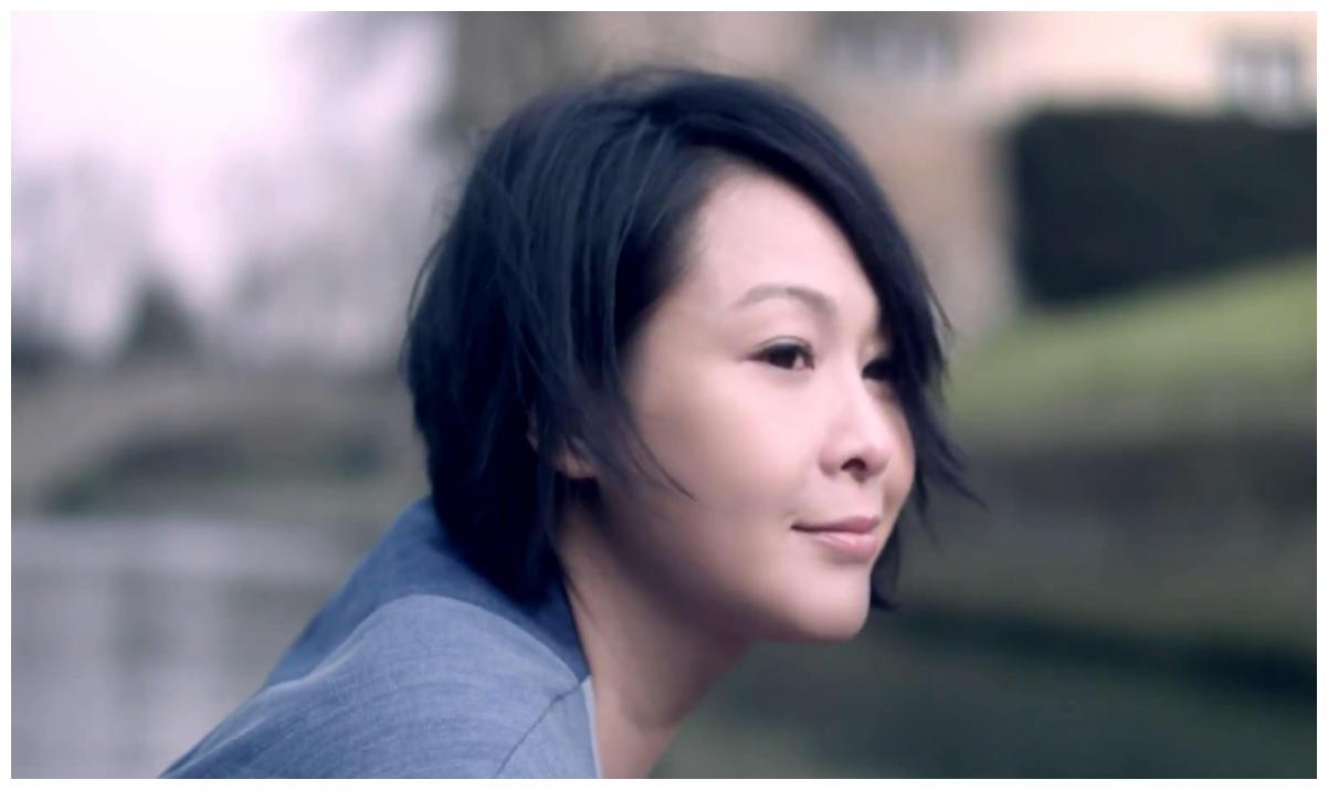 刘若英,她会用情感歌唱,能轻易感染听众,你喜欢吗?