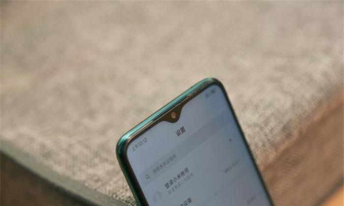 小米新机发布前,雷军就亲自发布微博,炫耀新机的2大卖点!