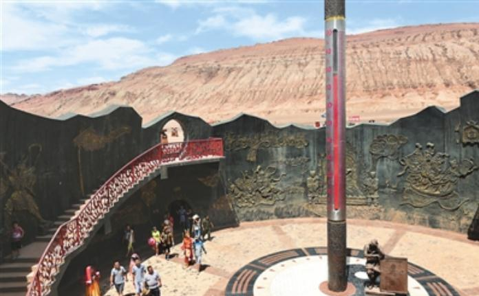 中国这一景区,女性雕像被游客摸到掉漆,网友:素质在哪里?