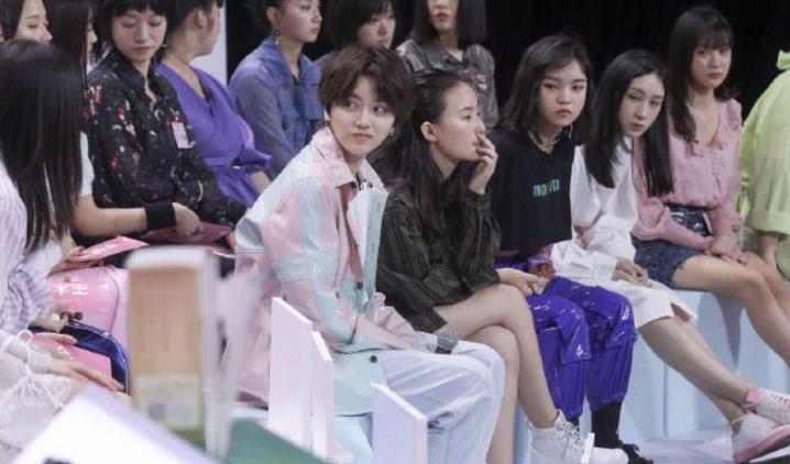 张钰琪、洪一诺合体街拍,《明日之子》结束后,女孩们集体失业?