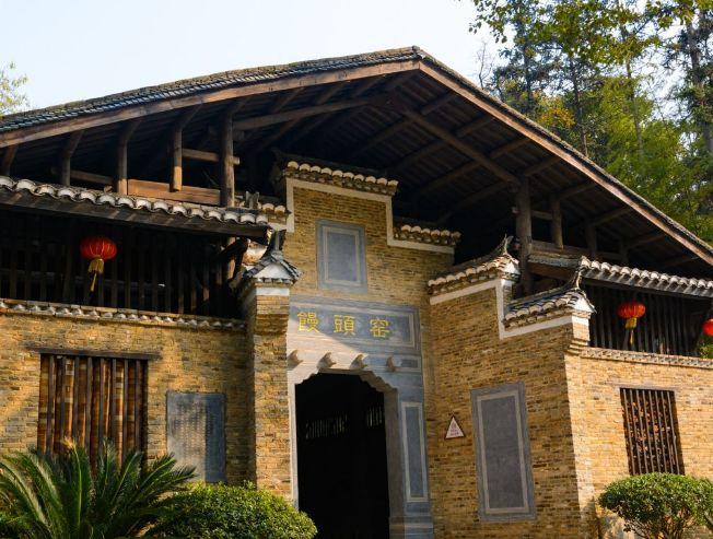 景德镇陶瓷民俗博物馆,是以古建筑为中心,值得一去