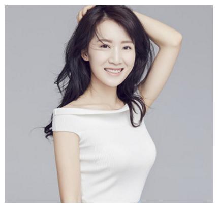 全球华语榜中榜最佳新晋演员李念写真,超温柔乖巧,纯洁美丽!