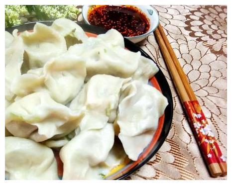 用它包饺子还是头一回,没想到好吃到爆,儿子一下吃了十个!