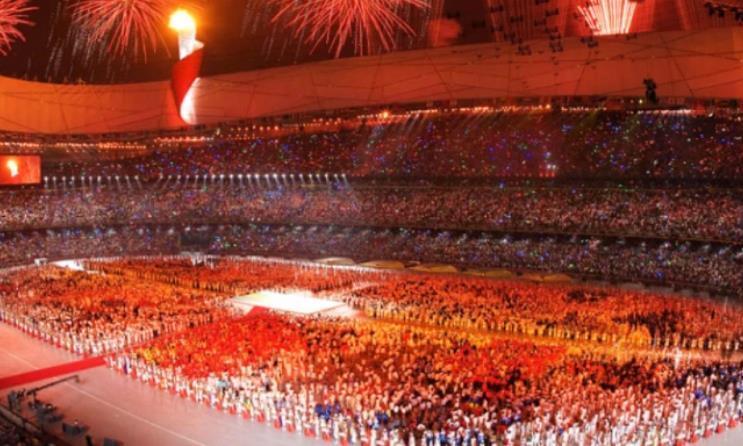 北京奥运会很少人知道的一次失误,张艺谋紧张得一直捏手:好险!