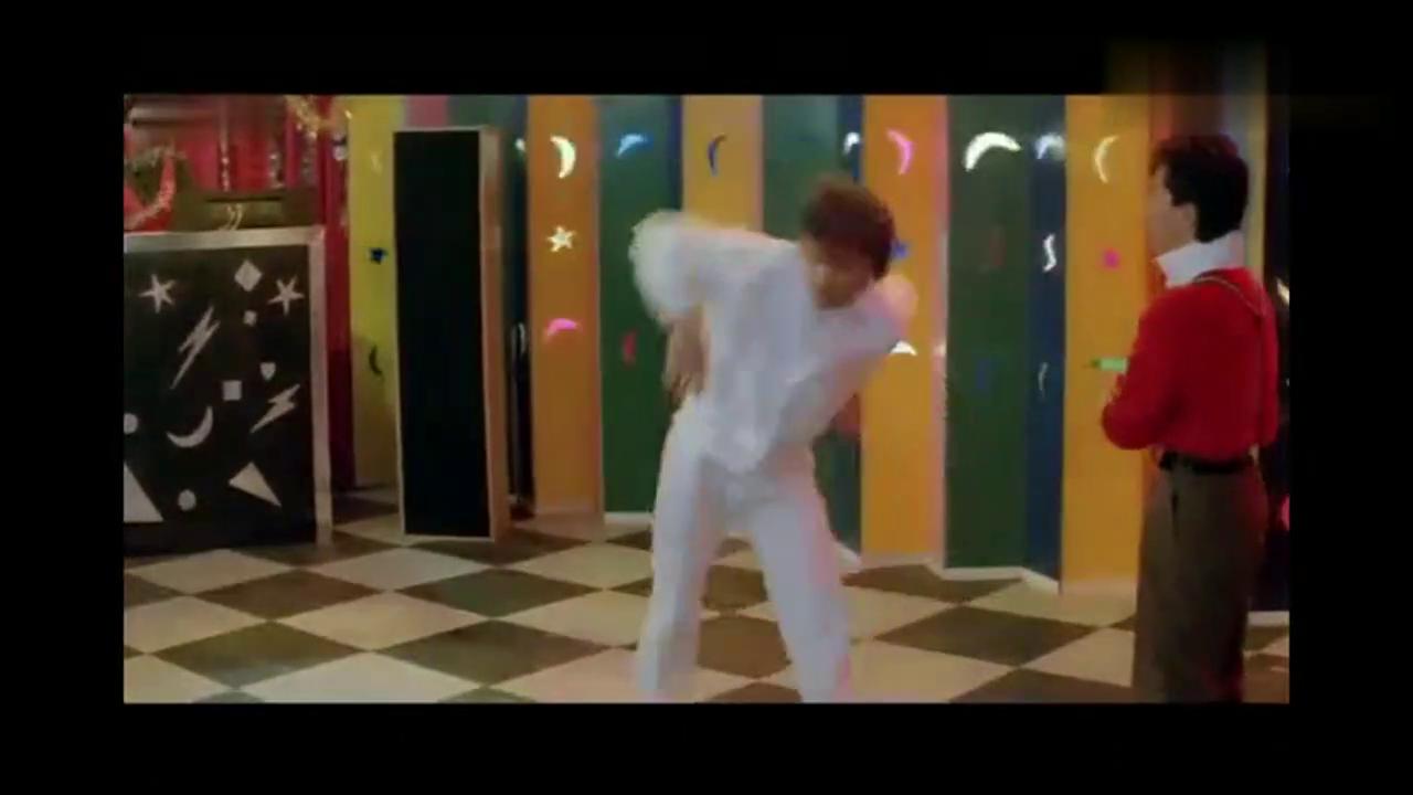 20岁的甄子丹当年竟是个舞者出身,这霹雳舞跳的真可爱
