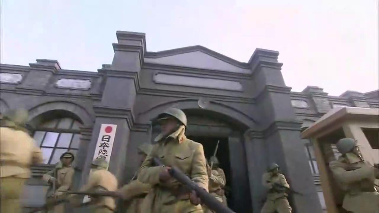 神枪手一枪打爆油箱引发爆炸,日军被打的都糊涂了