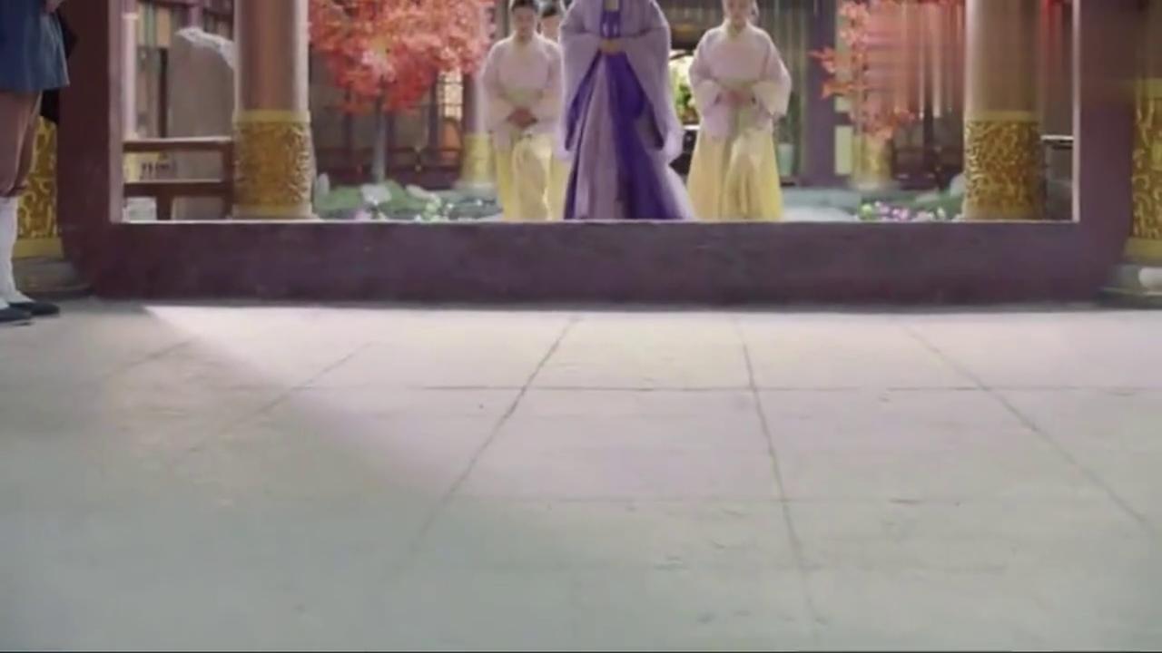盛唐幻夜:穆乐见到换回女装的远安,瞬间呆住了,脑里竟一顿幻想
