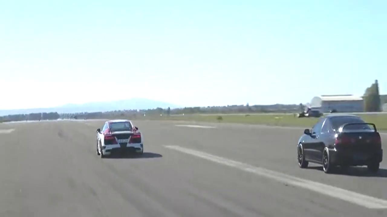 奥迪R8 VS 本田Integra,深踩油门那一刻才是霸气的开始!