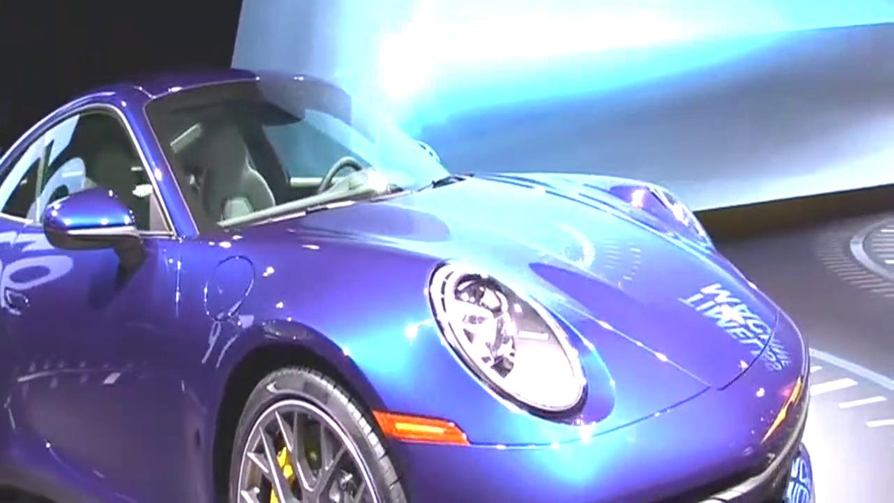 全新保时捷911 Carrera 4S 992龙胆蓝,新车抢先看