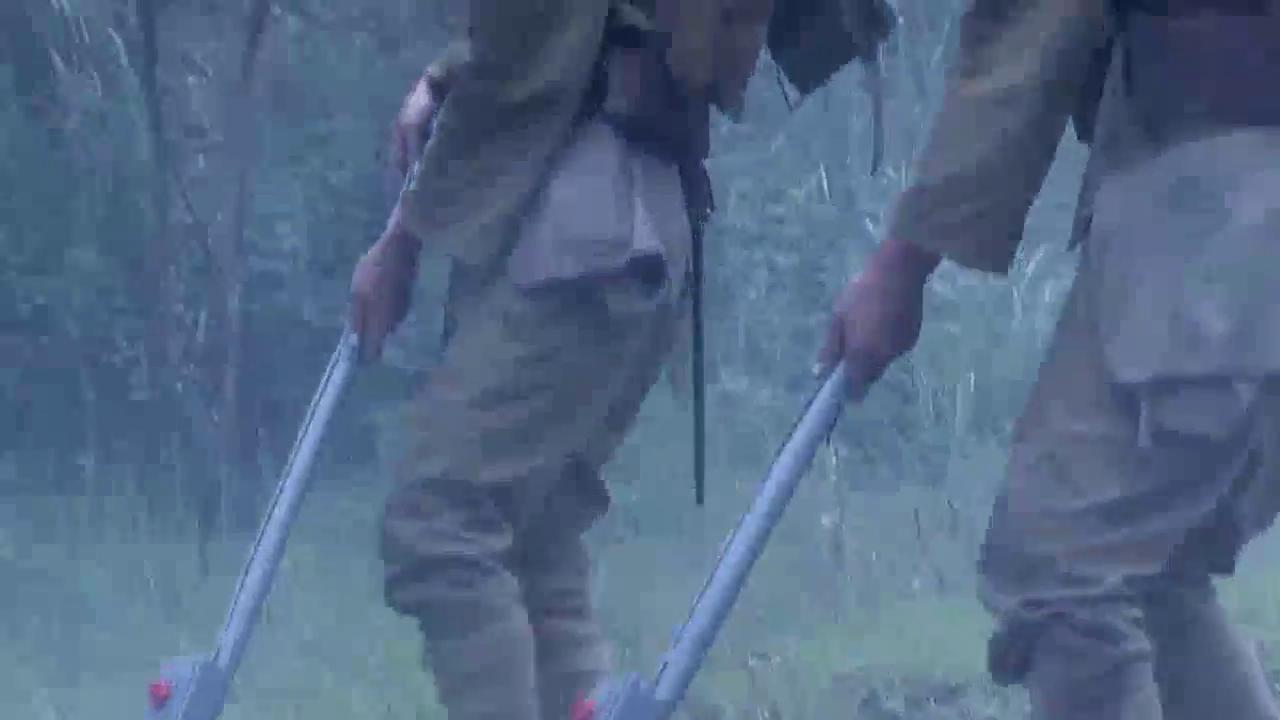雪豹坚强岁月:特战队自制地雷炸伤鬼子,鬼子开启手动排雷计划