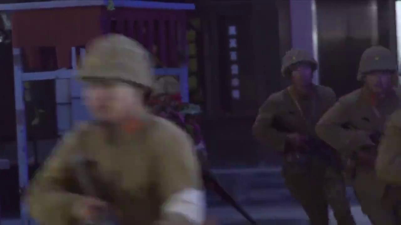 小伙追杀汉奸,没想到他竟是个神枪手,下秒直接将汉奸打死!