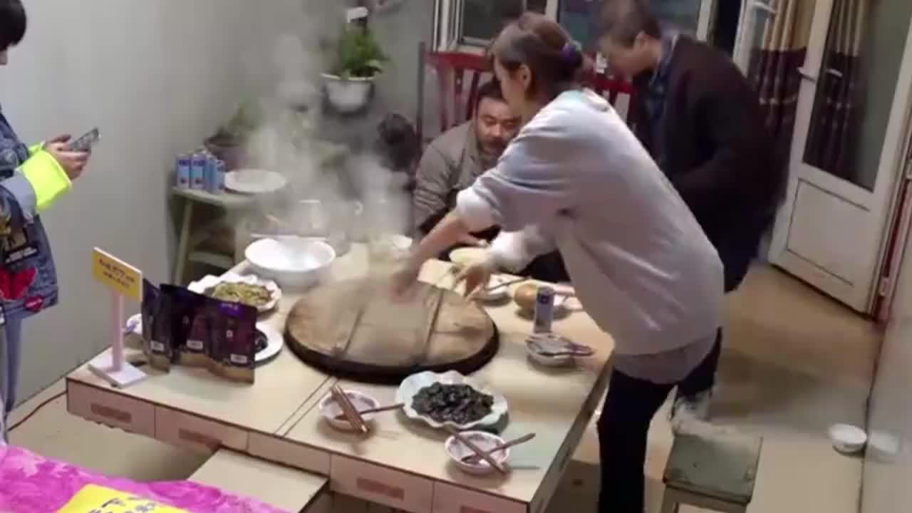 野生厨房姜妍的铁锅炖大鹅让大伙吃的很愉快好手艺啊