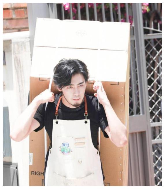 《中餐厅3》再上热搜,高天鹤背冰箱被切,林大厨采购不见人影?