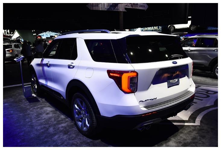 被忽略的硬派SUV,10万公里无大修,配V6引擎+四驱,比途