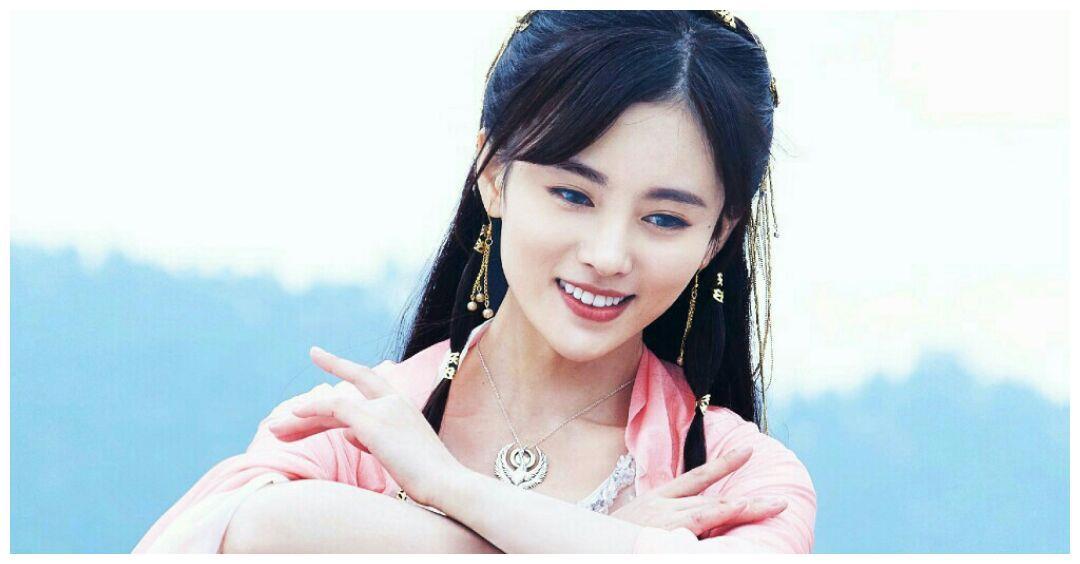 演艺圈姓氏最少见的5位明星,靳东第4,迪丽热巴第2,第1名不