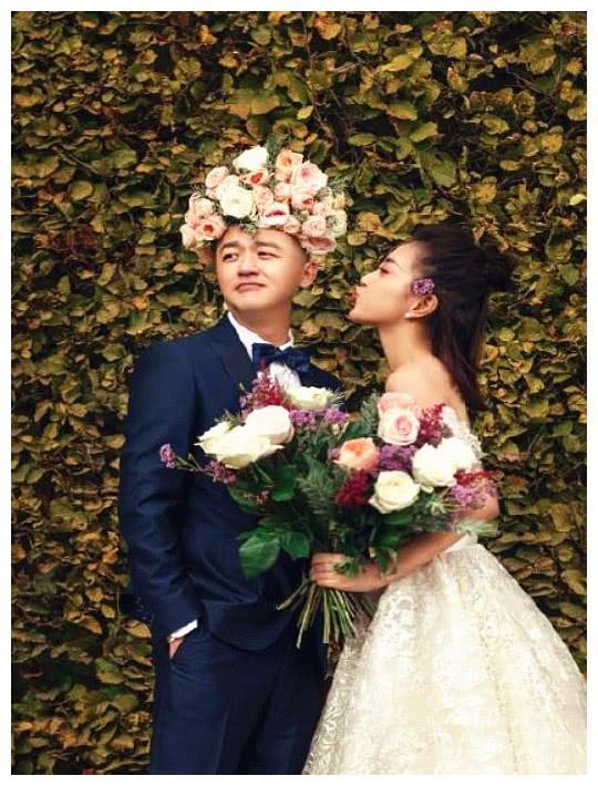 包文婧的婚纱照,特别有个性,网友;终于等到你了