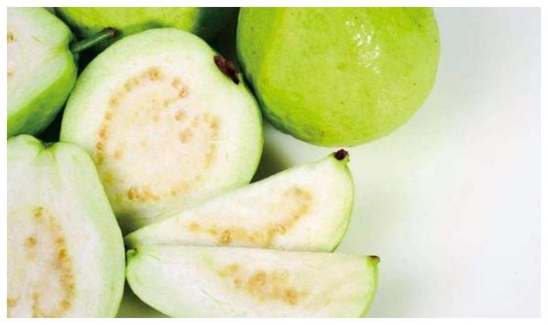 """南方有种水果是""""鸡屎味""""遭人嫌弃,但是超好吃,连叶子都是宝"""