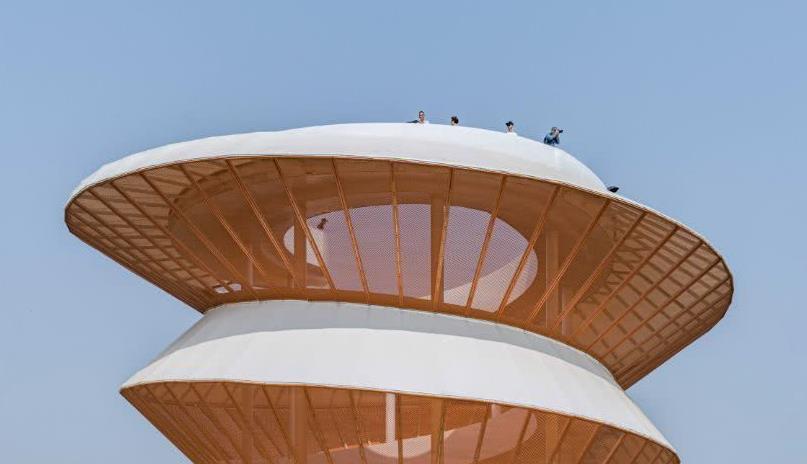 来螺旋LOOK塔欣赏深圳美景,以消除繁忙城市生活中的忧郁情绪
