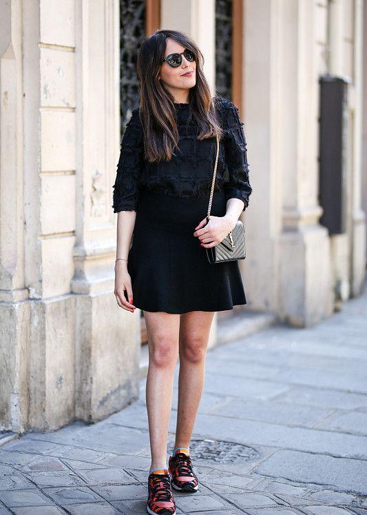 被这些时尚小姐姐给惊艳了,简单的服饰也能穿出潮流范