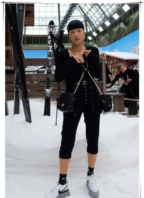 徐濠萦可算好好拾掇自己,时尚灾难变精致女王,终于给陈奕迅长脸
