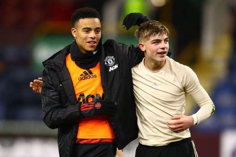 曼联最年轻的两名球员加入国际足球俱乐部,他们会是谁?