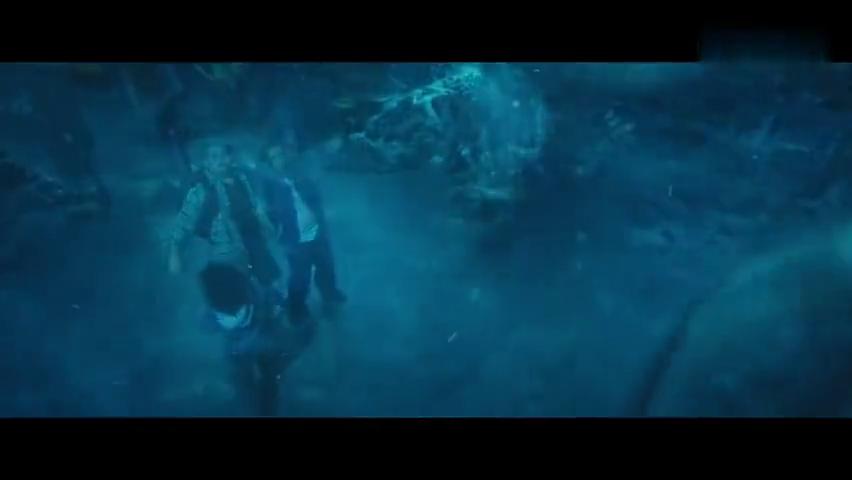 海王被同学欺负,愤怒之下觉醒了神力,海洋生物都来保护他