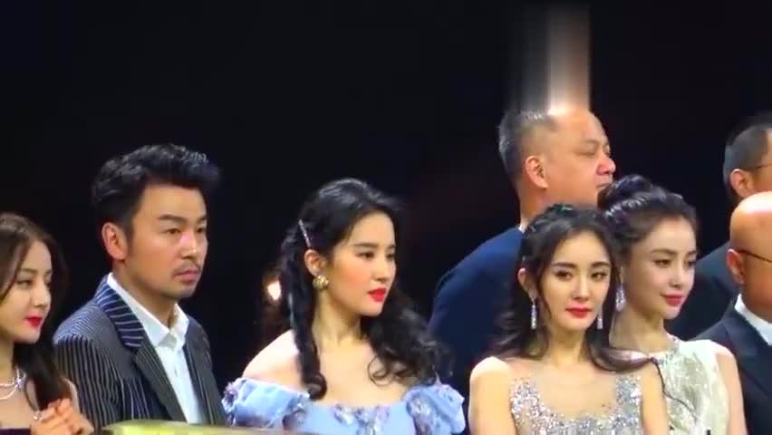 刘亦菲.杨幂.迪丽热巴.杨颖,2019微博之夜四大美女同台亮相