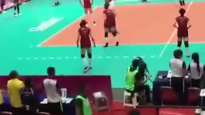 国歌被误播中国女排的反应感动了所有人