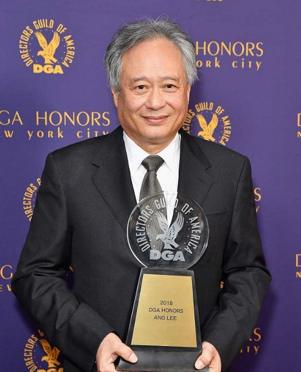 李安获美国导演协会终身成就奖,妻子林惠嘉罕陪同