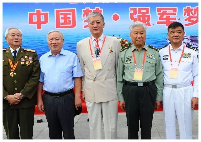 中国最爱国商人,倾家荡产买回航母捐给祖国,如今过得怎么样?
