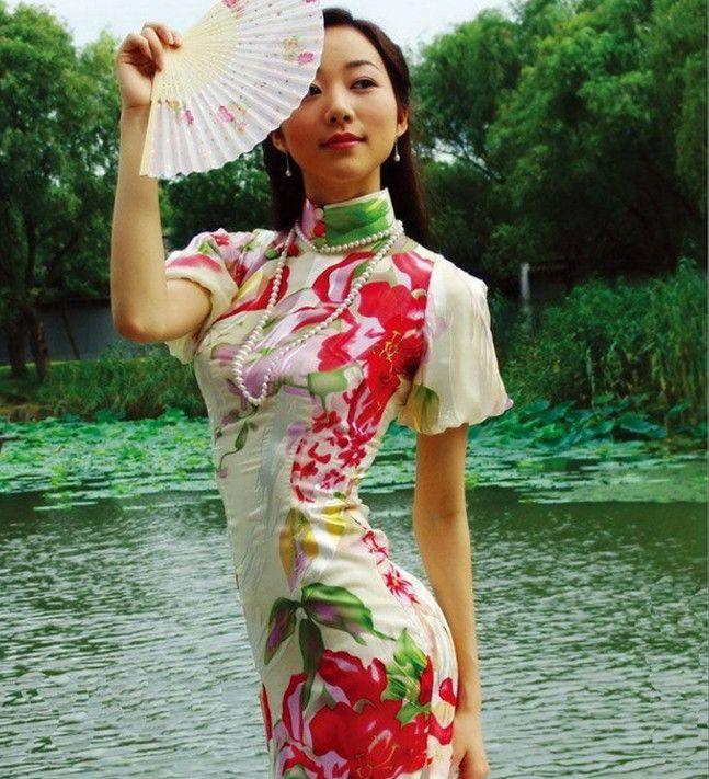 穿旗袍超美的四位女星,陈好汤唯上榜,网友:最好看的还是她!