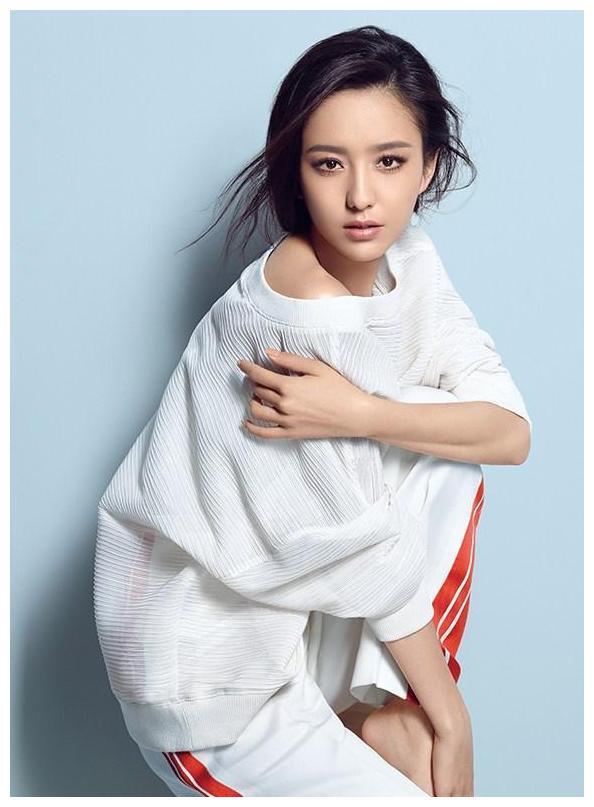 《唐人街探案》佟丽娅火了,张子枫火了,尚语贤火了,唯独她没火