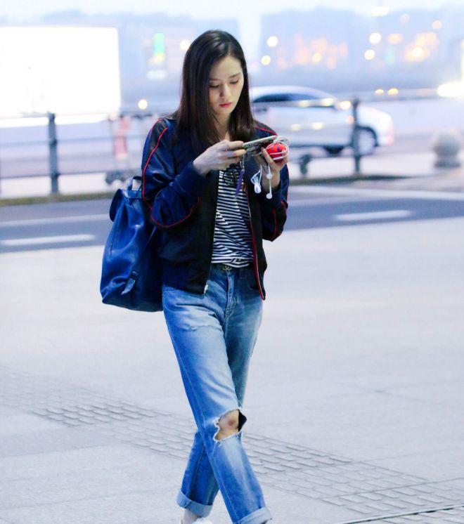 街拍:美丽俏人的刘诗诗,俏皮成熟时尚端庄皆能驾驭