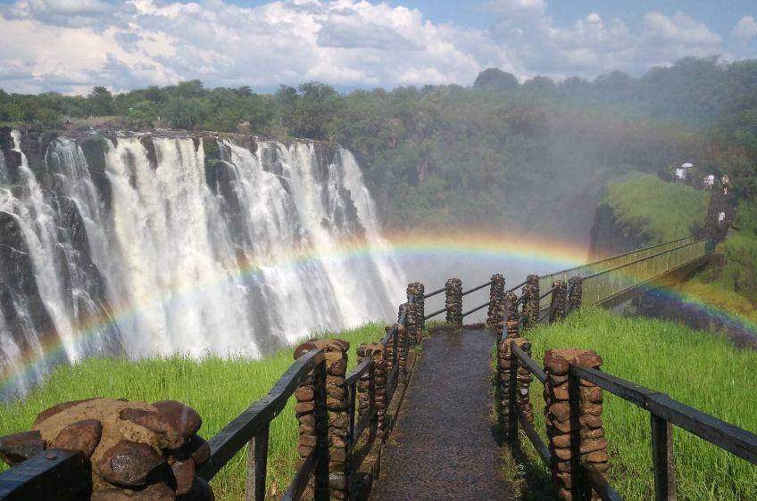 勇士的目的地——赞比亚,连垂钓也需要勇气!
