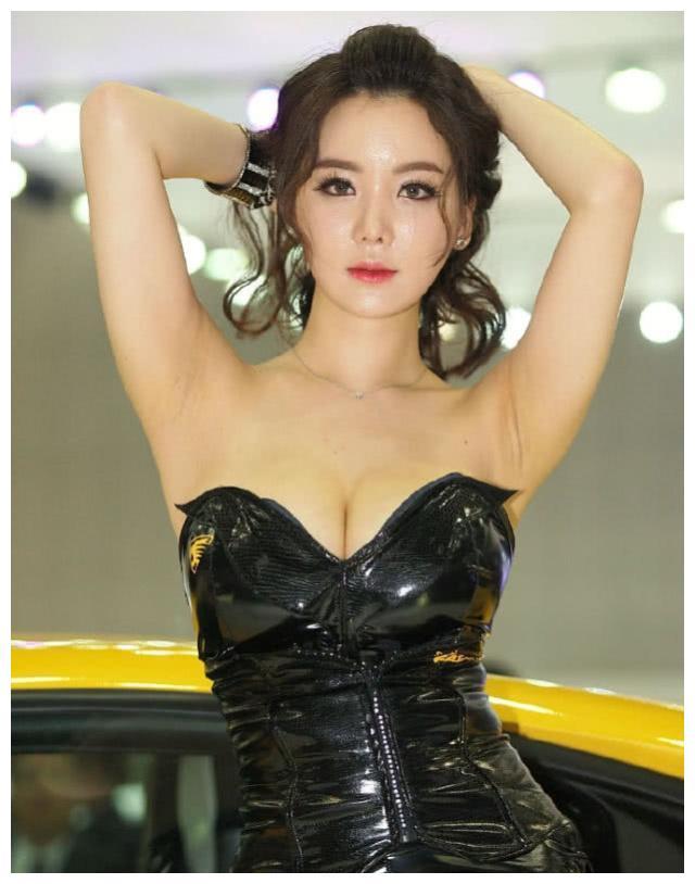 """只为兰博基尼站台,是公认""""韩国第一车模女王"""",现成幸福辣妈"""