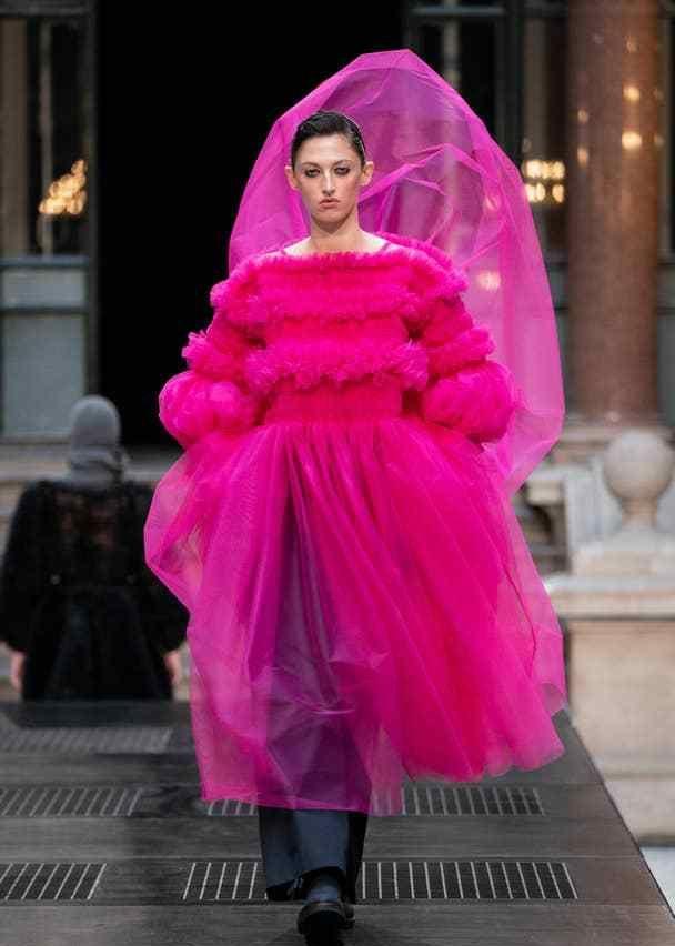 伦敦时装周压轴秀:Molly Goddard2019秋冬礼服