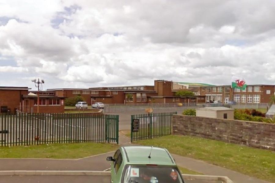 英国一小学校长因同性恋交友被解雇,上诉后获赔626万元
