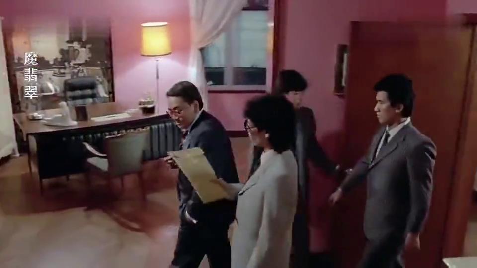 犯罪片:大佬的保险箱要语音密码,怎料男子偷偷录下,厉害了