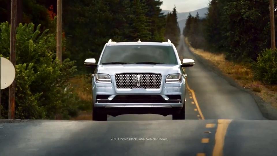 视频:其他大型SUV还卖不卖,完美土豪节奏,林肯全新Navigator官方创意