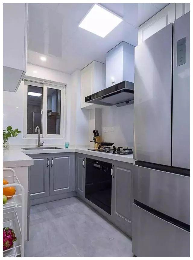 北欧风小三房装修效果图,不大的厨房却装修得很精致
