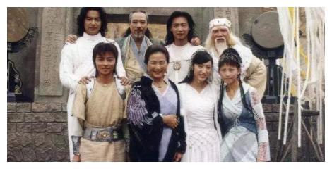 当年爱着蔡少芬,却和陈法蓉结婚,如今没有了名气!