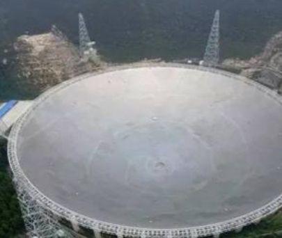 世界上最大的两个望远镜,中国天眼比美国哈勃观测得更远