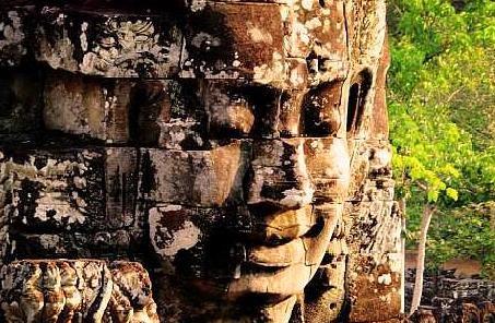 """柬埔寨吴哥窟,地位堪比西安兵马俑,被誉为""""世界上最大庙宇"""""""
