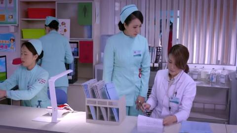 女医生一眼看出患者字迹有问题,追出去检查一下患者果然出大事