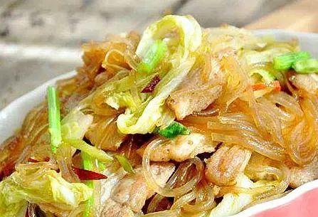 猪肉粉丝白菜的家常做法,好吃不费力,简单几步美味营养